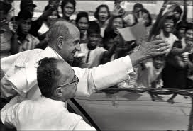 POPE Paul VI receives warm welcome from Manilans in 1970, two years before Marcos declares martial law.