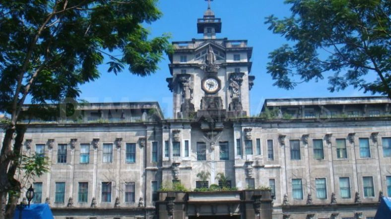 WHILE  a number of high school classmates moved to UP and La Salle, I stayed in UST. (www.demotix.com)