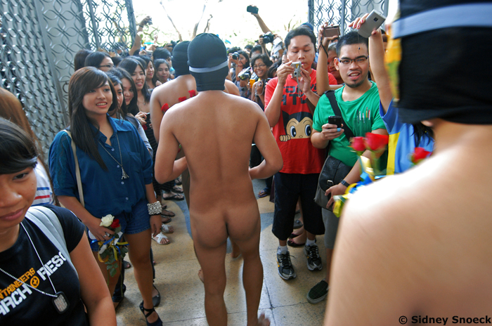 HAD UST staged its version of UP's annual Oblation Run, runners would probably be clad in priests' vestments, but without underwear. :-D