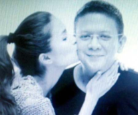 WHILE Chiz is entertaining visions of becoming president one day, Heart is said to be tickled pink by the thought of becoming his first lady. (www.tempo.com.ph)
