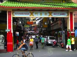 WELCOME to Manila Chinatown (www.travelblog.com)