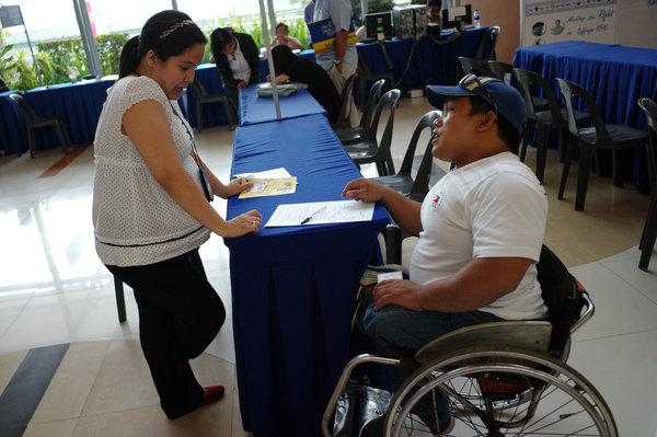 IF this person with disability can do it, why can't you? (ph.news.yahoo.com)