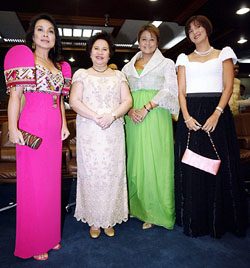 SEN. MIRIAM Santiago, with Sens. Loren Legarda, Jamby Madrigal and Pia Cayetano, during more stylish stimes. (www.philstar.com)