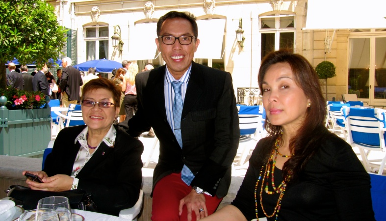WITH Philippine Ambassador to France Cristina Ortega and Sen. Loren Legarda during lunch at the at the Cercle de l' Union Interallieé in Paris