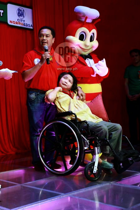 TIMEOUT with Jollibee (www.pep.ph)
