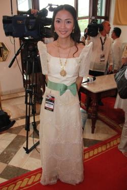 MARIE Lozano in a terno during an earlier coverage of the SONA (blogsfgate.com)