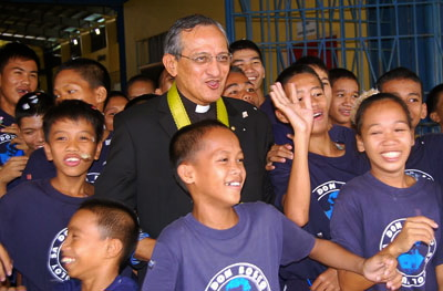 FR. PASCUAL Chavez, rector major of more than 16,000 Don Bosco (Salesian) fathers and brothers in over 130 countries, visits the Philippines