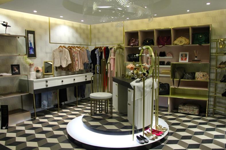 """BONGGA Ka 'Day,"" by Steffi Maala, Kimberly Ong, Harold Chen, Janine Legaspi and Raiza Poquiz, merges vanity with '70s vibe to produce a walk-in closet and dressing room. (Chito Vecina)"