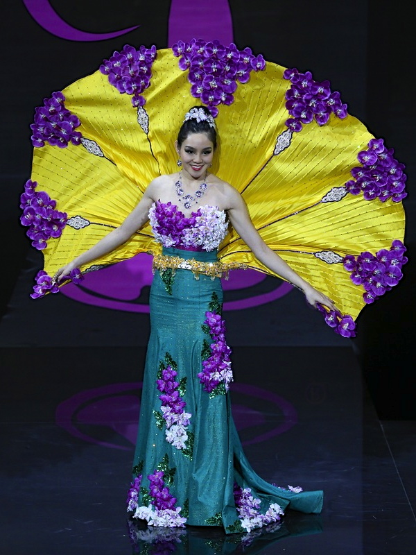 MISS Singapore: Even designers of the supposedly straitlaced and unimaginative island did us one better.